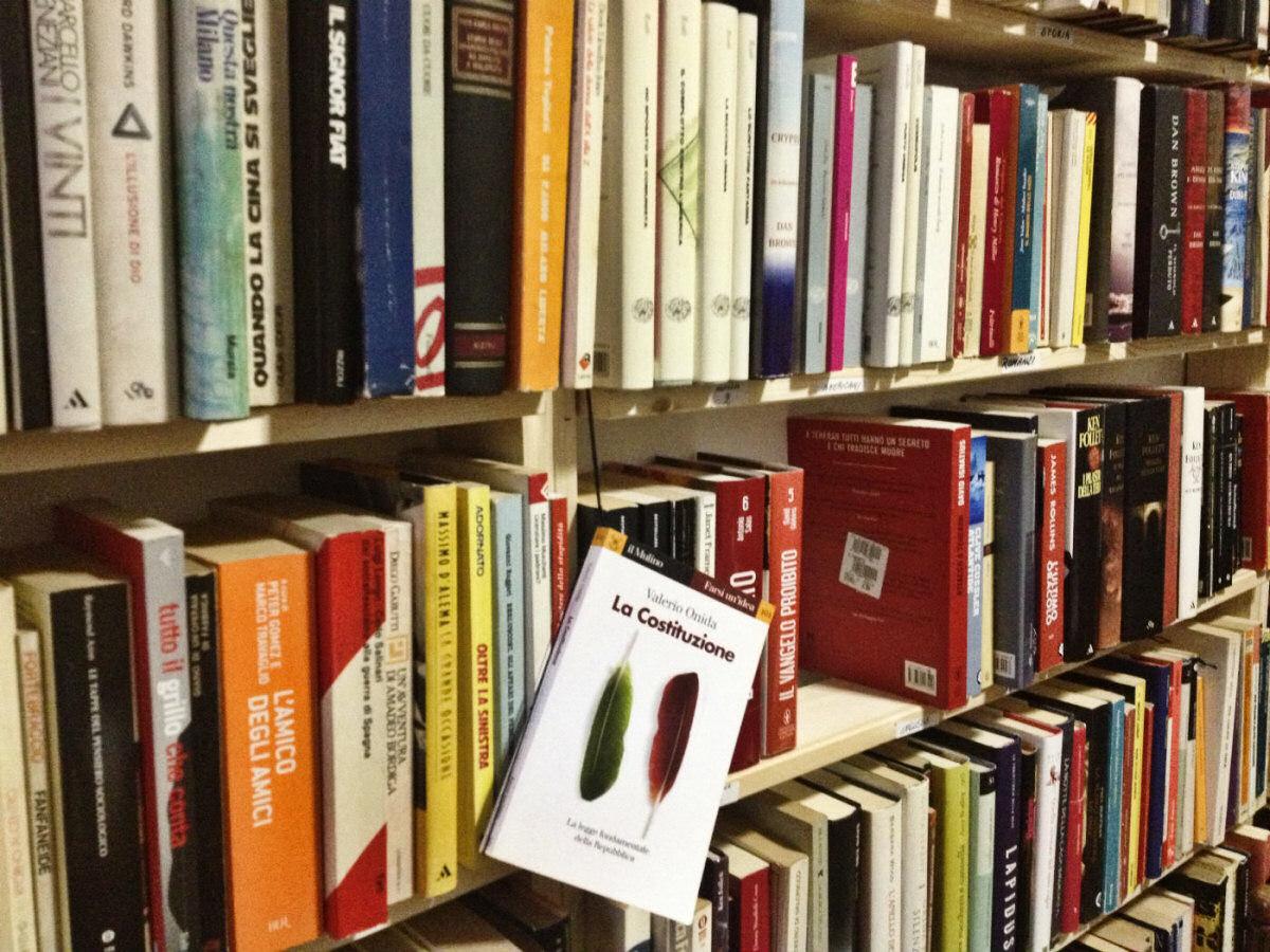 biblioteca di via Rembrandt 12